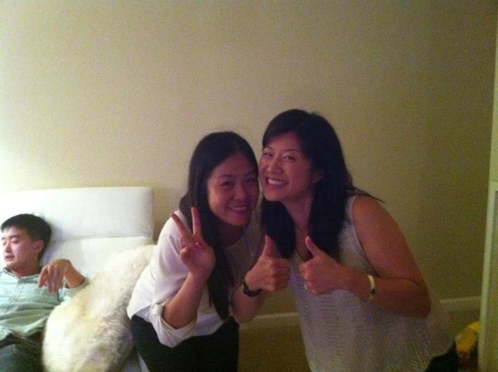 중국계 이민1세 리즈와 수 (왼쪽 오른쪽)