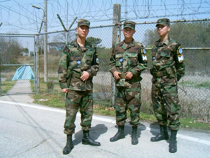 나의 군생황을 보듬어준 이주승 이태윤 형님과 (제일 오른쪽이 나)