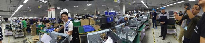 중국 선전의 공장내 작업공정